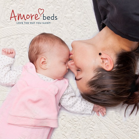 Amore Honors Mothers